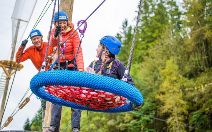 Årets høydepunkt - en aktiv dag i klatreparken med familien